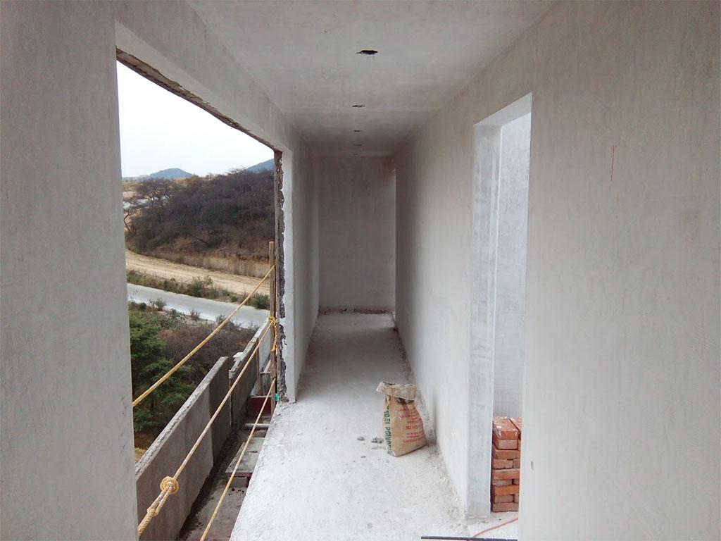 Aplanado de yeso en muros