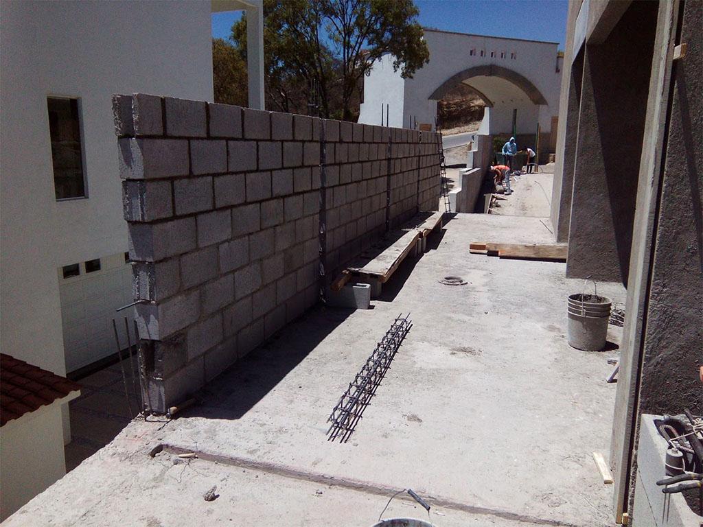 Desplante de muro de block