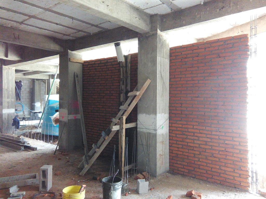 Desplante de muros de tabique RR